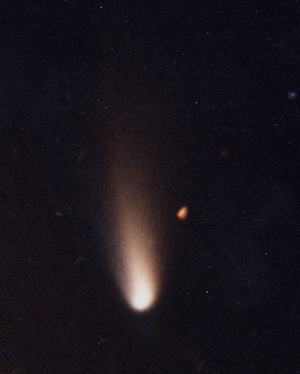 Hale-Bopp was just a comet, not a spaceship.